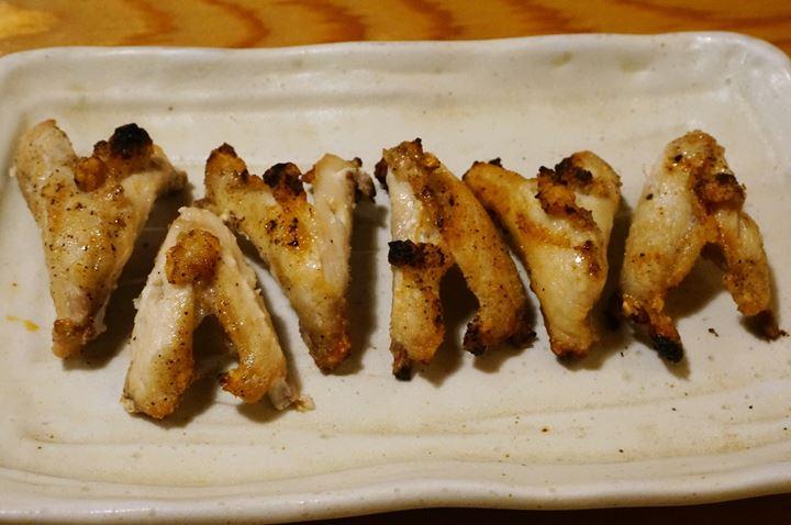 Torikizoku 鳥貴族 Chicken Collarbone Meat 骨付まつばのスパイス焼き